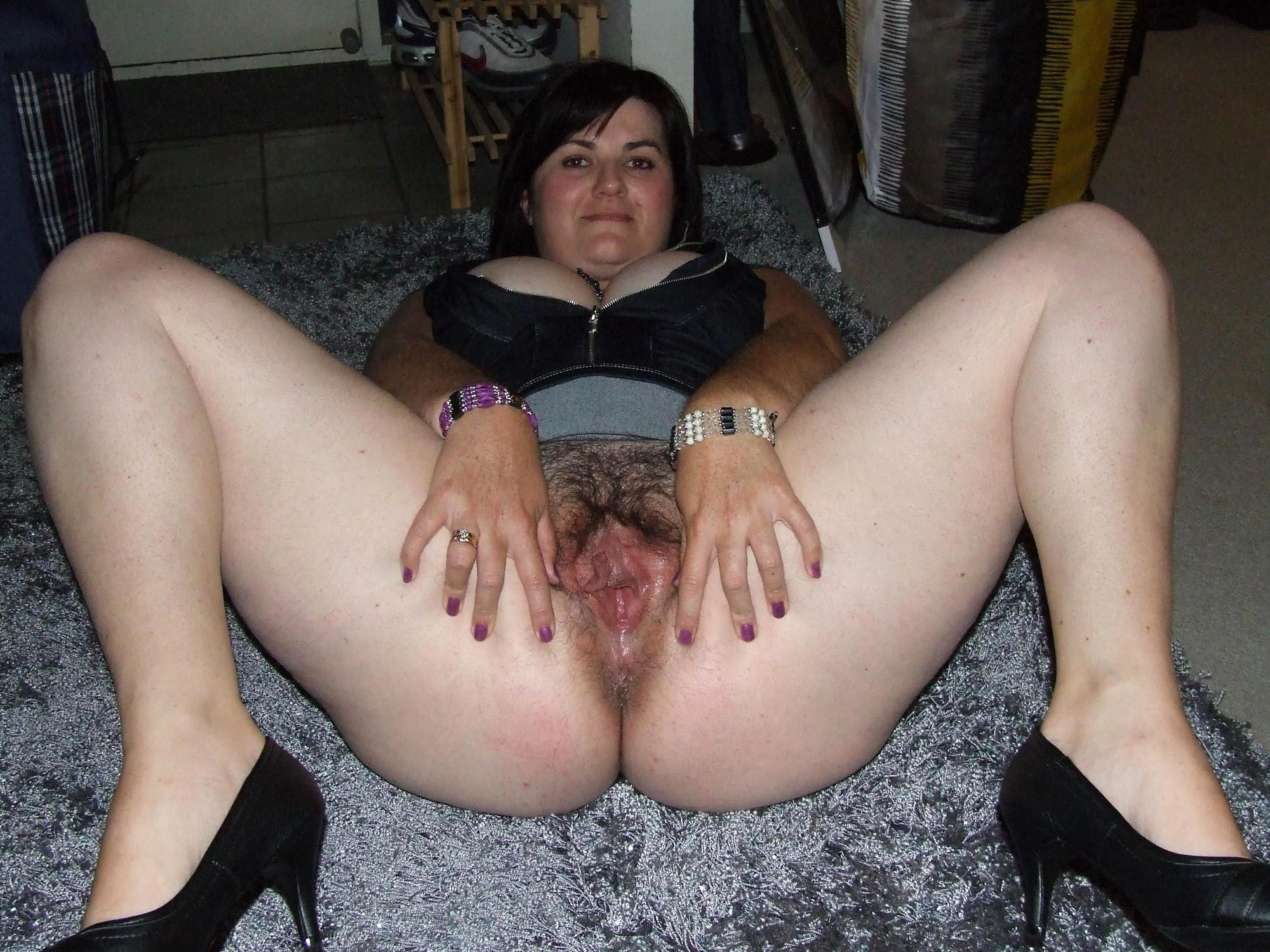 nude pictures of sister