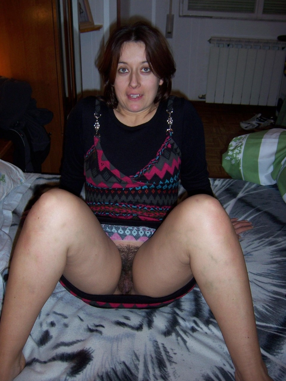 Bottomless mature hairy pussy