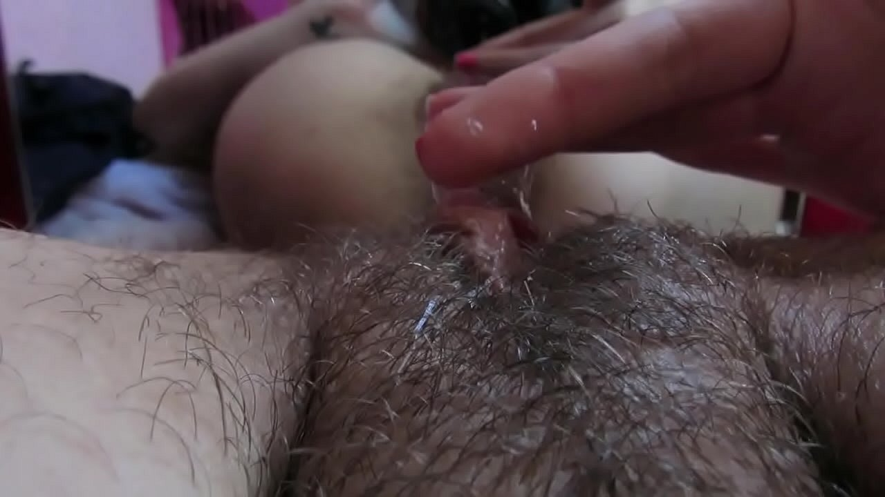 Teen clit hairy pussy